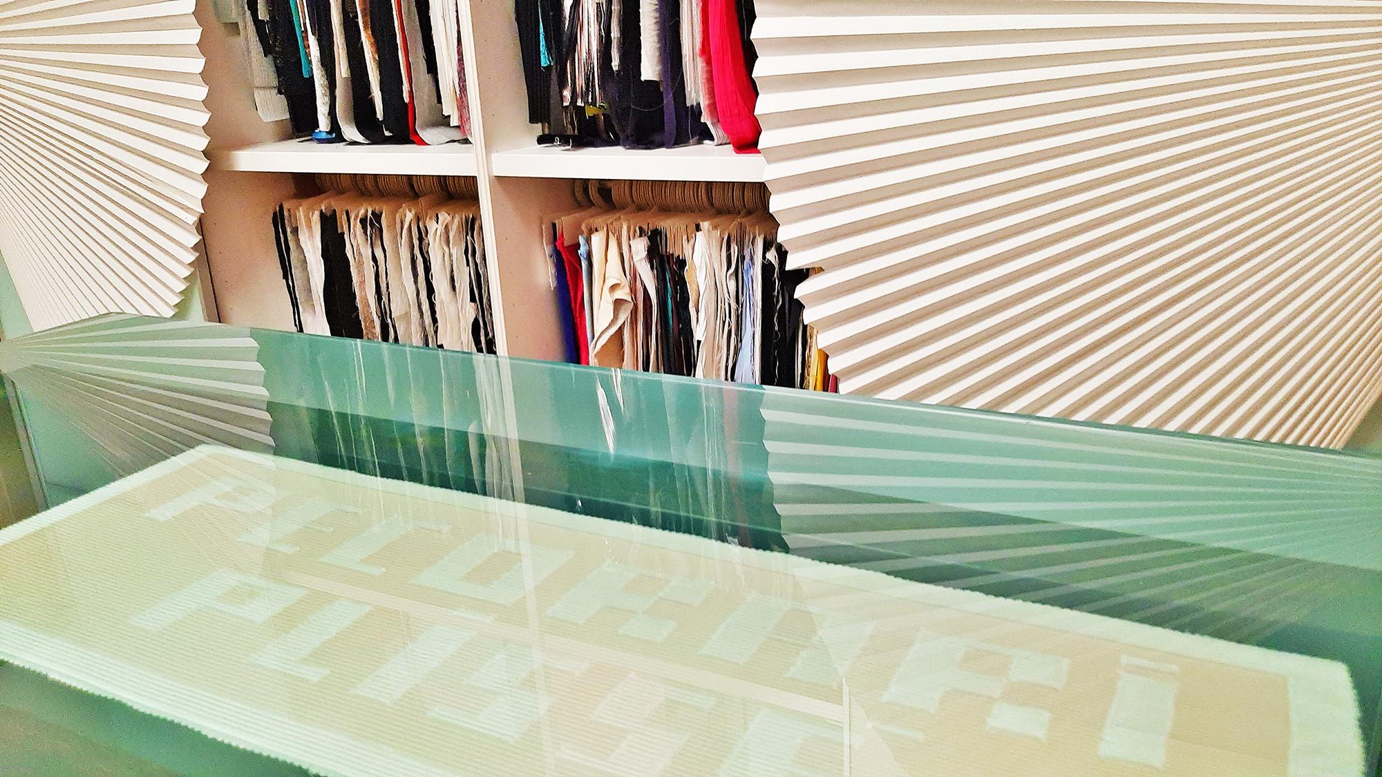 tessuto plissettato showroom